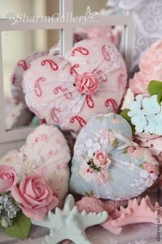 10 Nice Tips: Shabby Chic Bathroom Wallpaper shabby chic home design.Shabby Chic Home Design. Tissu Style Shabby Chic, Rideaux Shabby Chic, Rose Shabby Chic, Shabby Chic Stoff, Shabby Chic Hearts, Shabby Chic Fabric, Shabby Chic Curtains, Shabby Chic Pillows, Chic Bedding