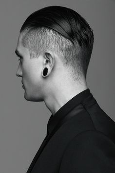 i freakin have to have a man with an undercut