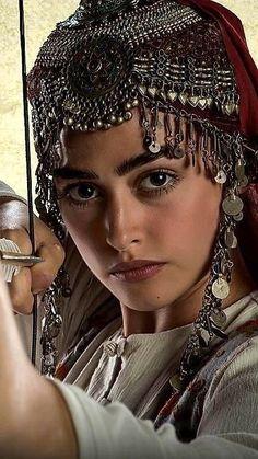 Turkish Women Beautiful, Turkish Beauty, Beauty Full Girl, Beauty Women, Tattoo Studio, Persian Beauties, Arabian Women, Esra Bilgic, Beautiful Series