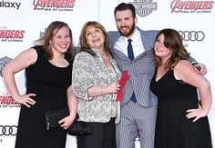Chris Evans Brings Mom, Sisters to Avengers: Age of Ultron Premiere - Us Weekly