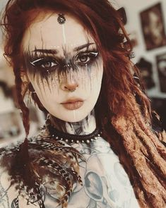 Oh my god, isn´t she stunning? I love the makeup from Perfect for LARP and Cosplay ideas.   Oh my god, isn´t she stunning? I love the makeup from Perfect for LARP and Cosplay ideas. Witch Makeup, Sfx Makeup, Cosplay Makeup, Costume Makeup, Makeup Art, Zombie Makeup, Cosplay Dress, Makeup Geek, Voodoo Makeup