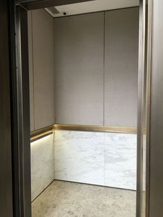 I am really afraid of elevators. It's almost like a claustrophobia. Hotel Interiors, Office Interiors, Lobby Interior, Interior Architecture, Elevator Design, Stair Lift, Lift Design, Interior Decorating, Interior Design