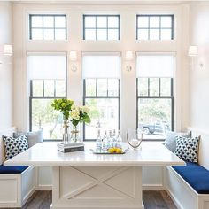 If we had a breakfast nook I would aspire to have it look like this stunner