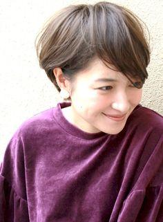 柔らかいパーマスタイル☆大人ショートヘア|髪型・ヘアスタイル・ヘアカタログ|ビューティーナビ