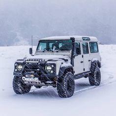 Land Rover Defender 110, Landrover Defender, Land Rover Overland, Kombi Motorhome, Automobile, Badass Jeep, Best Suv, Expedition Vehicle, Sweet Cars