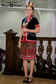 Grady Mina MISS DAYAK PRIDE BHF 2014 Photo credit:MAGIC SHUTTER Subsidiary Title@Borneo Hornbill Festival 2014
