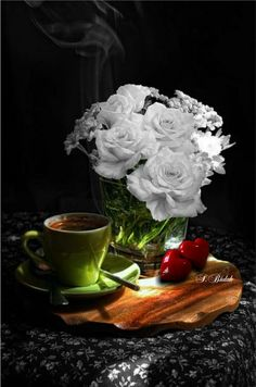 Tea Cafe, Coffee Cafe, Good Morning Coffee, Fun Cup, Food Coloring, White Roses, Color Splash, Amazing Photography, Beautiful Pictures