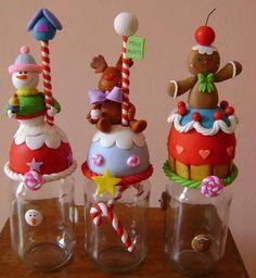 cotillones de navidad - Buscar con Google Christmas Jars, Christmas Crafts, Christmas Decorations, Polymer Clay Ornaments, Polymer Clay Crafts, Clay Jar, Diy Y Manualidades, Polymer Clay Christmas, Navidad Diy