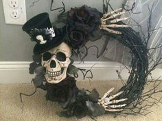 Spooky Skeleton and Top Hat Wreath by on Etsy (Adornos Halloween Manualidades) Spooky Halloween, Table Halloween, Homemade Halloween Decorations, Halloween Kostüm, Holidays Halloween, Halloween Wreaths, Halloween Costumes, Adornos Halloween, Halloween Disfraces