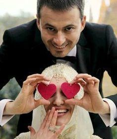 Weddings On A Budget, How To Plan And Manage With A Small Amount Of Money. Are you on the verge of getting hitched and need some wedding planning guidance? Cute Muslim Couples, Couples In Love, Romantic Couples, Wedding Couples, Wedding Bride, Dream Wedding, Wedding Bells, Romantic Images, Married Couples