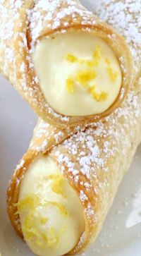 Lemon Meringue Pie Cannoli