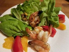 The Sapori shrimp salad at Sapori Italian Restaurant in Washington Township pairs four plump grilled shrimp with butter lettuce, tomatoes, pistachios and fresh orange segments in fresh lemon vinaigrette. / Sylvia Rector/Detroit Free Press