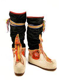 tibetan boots!