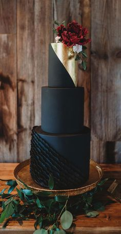 15 The Cutest First Birthday Cake Ideas, 1st birthday cakes Black And Gold Cake, Black And White Wedding Theme, Black Wedding Cakes, Wedding Cake Photos, Beautiful Wedding Cakes, Wedding Cake Designs, Beautiful Cakes, Black And Gold Birthday Cake, Wedding Themes