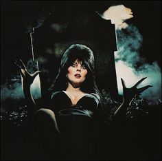 Manor Macabre The Unofficial Elvira Mistress of the Dark Fan Site Cassandra Peterson, Bettie Page, Horror Films, Horror Art, Horror Icons, Elvira Movies, Sexy Horror, Pennywise The Clown, Dark Pictures