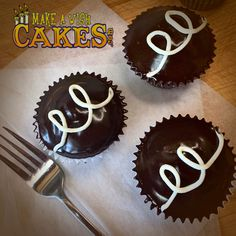 🏠 A little treat for those at home. Hostess Cupcakes, Make A Wish, Treats, Desserts, Food, Sweet Like Candy, Tailgate Desserts, Goodies, Deserts