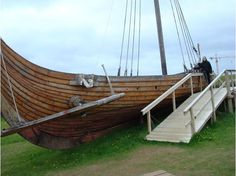 This boat is next to the sod house at Stekkjarkot.