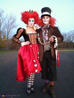 Halloween 2012 Coolest Homemade Costume Contest Runner-Up. Red Queen and Mad Hatter couple costume submitted by Kirby from Grand Rapids, MI. Geeky Halloween Costumes, Hallowen Costume, Halloween Costume Contest, Halloween Couples, Creative Costumes For Couples, Halloween Zombie, Group Halloween, Halloween Halloween, Halloween Makeup