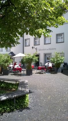 Around the corner from the cathedral in St. Gallen: Perfect for a coffee break ☕