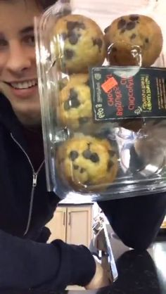 Shawn And muffins