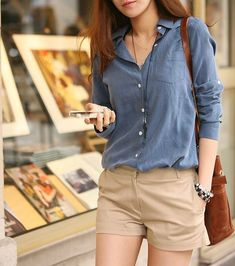 Whether it is a movie date or a party at a friend's place, flaunt these beige shorts outfit ideas for a stylish look. Beige Shorts Outfit, Denim Shirt Outfit Summer, Denim Shirt Dress, Summer Shorts, Denim Shorts, Comfy Outfit, Chino Shorts, Dress Summer, Chambray Shirts
