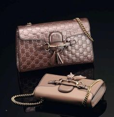 Chain-Link bags in Champagne pink shade by Gucci
