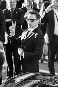 attends The World Premiere of Marvel's 'Captain America: Civil War' at Dolby Theatre on April 2016 in Los Angeles, California. Beau Gif, Natural Born Killers, Iron Man Tony Stark, Downey Junior, Handsome Actors, Hollywood Actor, Robert Downey Jr, Belle Photo, Captain America
