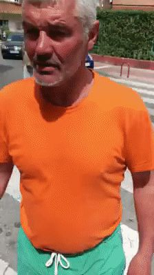 GIF Not bad! Bus Girl, Self Defense Martial Arts, Funny Times, Funny Short Videos, Twisted Humor, Funny Fails, Best Funny Pictures, Dumb And Dumber, Russia