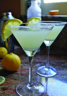 2 shots Ketel One Citroen Vodka juice of lemon (fresh Meyer lemons are best) 2 teaspoons Baker's (extra-fine) Sugar (extra sugar for rimming glass) Rub the edge of a martini glass with half a lemon Absolut Vodka, Vodka Martini, Vodka Drinks, Cocktail Drinks, Alcoholic Drinks, Beverages, Martini Party, Fun Drinks Alcohol, Lemonade Cocktail