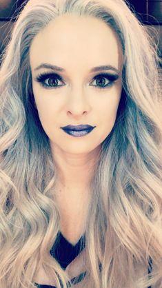 Makeup for killer frost Cosplay Makeup, Costume Makeup, Frosted Hair, O Flash, Tv Memes, Dc Tv Shows, Snowbarry, Killer Frost, Infinite Earths
