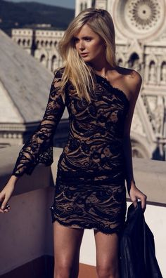 Black lace dress |=