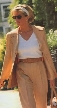 Princess Diana Wearing a Ronit Zilkha suit May 1997