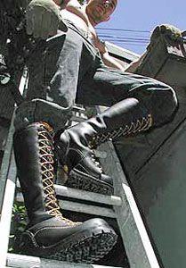 Hot Boots!!! - Bootmen's Tutorial