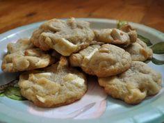Simple White Chocolate Macadamia Cookies