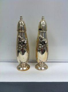 vintage salt & pepper shakers от bartonwood на Etsy, $19.99