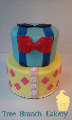 Boy/girl preppy cake #treebranchcakery