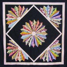 You'll find over 10 dresden plate quilt patterns here. They are all free! Find inspiration and the free pattern!