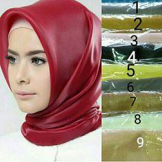Jilbab segi empat silk Follow ig : @nikitacollection1