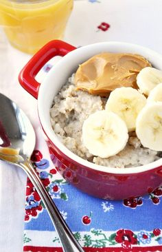 Celebrate National Peanut Butter Lover's Day with Peanut Butter & Banana Oatmeal Breakfast Recipe #EAT #fitfluential #vegan #vegetarian #peanutbutter