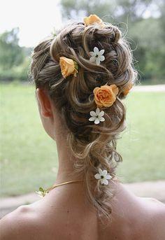 svatební účesy s živou květinou - Hledat Googlem