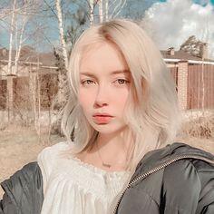 Beautiful Girl Makeup, Beautiful Girl Image, Dye My Hair, Albino Girl, Liza Soberano No Make Up, Ulzzang Hair, Fantasy Hair, Hair Reference, Cool Girl Pictures