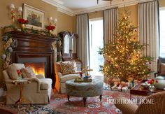 The Christmas tree is simply decorated with color-themed ornaments and pinecones that echo garlands throughout the house. - Photo: Michael Partenio / Design: John Cialone