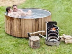 Dutchtub Wood. Hygiene and a big plus to morale. Wonder how well the water circulates, though