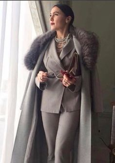 Mom Outfits, Classy Outfits, Winter Fashion Outfits, Autumn Winter Fashion, Olivia Pope Style, Mode Kawaii, Elegant Midi Dresses, Hottest Female Celebrities, Beauty Crush