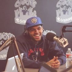 Chris Brown - Nobody's Perfect | MusicLife
