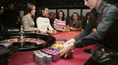 Kvinner gambling på et Casino