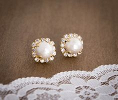 Romantic Cotton Pearl Earrings by CocoroJewelry