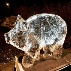 Hervanta case crackers ja Puttepossun voittoparaati #kicc #icesculpture #langvikhotel http://www.langvik.fi/