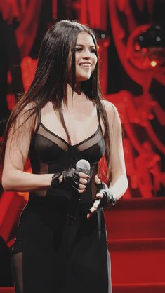 Selena Q, Selena Gomez Photos, Music Sing, Night Out Outfit, Becky G, Marie Gomez, Stage Outfits, Celebs, Celebrities