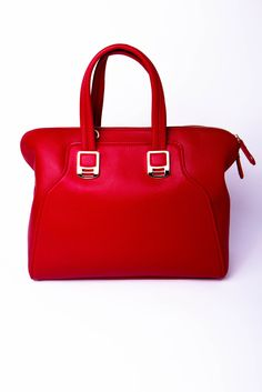 i dont even like bags but this one in lipstick red is devine